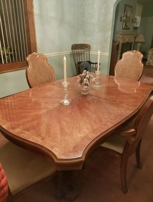 Complete Dining Room Set w/protective table cover for Sale in Pittsburgh, PA