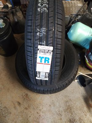 2 New 225/65R16 tires for Sale in Cleveland, OH