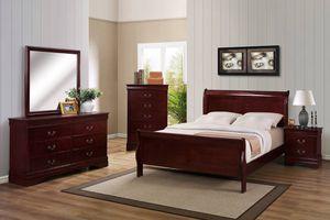 Queen Bedroom , Dresser ,Mirror for Sale in Montgomery, AL