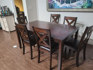 Dining room table for Sale in Boca Raton, FL