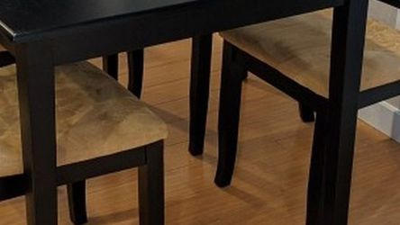 Dining Table and Chairs Set for Sale in Bothell,  WA
