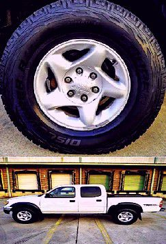❗❗Price$14OO 2OO4 Toyota Tacoma 4WD❗❗ for Sale in Austin, TX