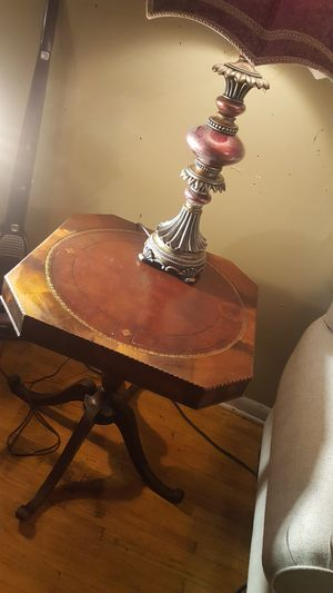 1940s Antique Parlor Table for Sale in Jefferson City, MO