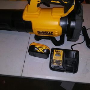 DEWALT 125 MPH 450 CFM 20V MAX Lithium-Ion Cordless Brushless Blower with (1) 4.0ah Battery and Charger Included for Sale in Compton, CA