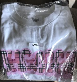 OhGeezy, Burberry throwie T shirt. for Sale in Long Beach, CA