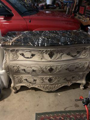Dresser for Sale in Sugar Hill, GA