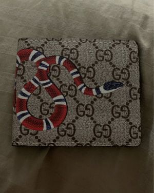 Gucci snake wallet for Sale in Palatine, IL