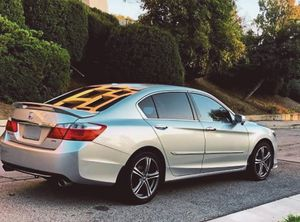 Nothing/Wrong 2O13 Honda Accord FWDWheelsss for Sale in ARSENAL, PA