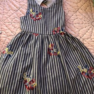 Girls Dress- Stripped With Flowers Size 7/8 for Sale in Henderson, NV