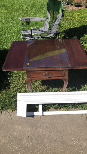 (2) Matching End Tables for Sale in Orlando, FL