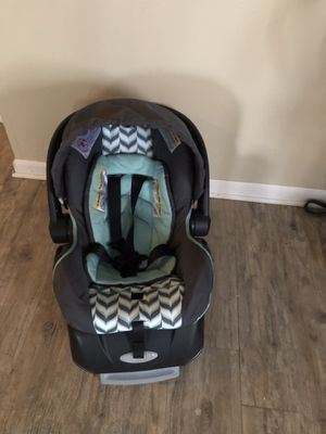 Baby car seat for Sale in Columbus, OH