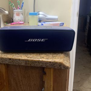 Bose Bluetooth Speaker for Sale in Coram, NY