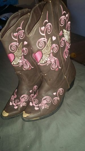 Girls size 2 roper embroidered cowboy boots for Sale in Benbrook, TX