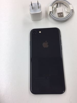 iPhone 8 like new 64GB Unlocked with warranty for Sale in Tampa, FL