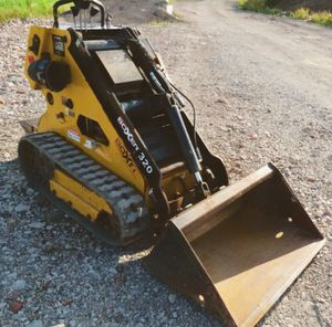 Excellent/Condition $1200 Boxer 320 Compact Skid Steer Track Loader. for Sale in Chicago, IL