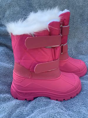 Snow boots for kids little girls toddlers 7,8,9,10,11,12,13,1 for Sale in Bell Gardens, CA