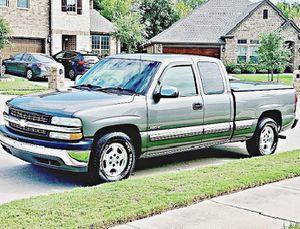 ֆ12OO 4WD CHEVY SILVERADO 4WD for Sale in Evansville, IN