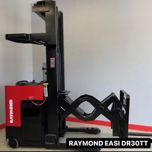 Raymond Forklift Double Reach / Like New! for Sale in Vernon, CA