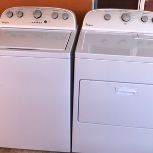 Lavadora Y Secadora Set Washer And Dryer Whirlpool for Sale in Miami, FL