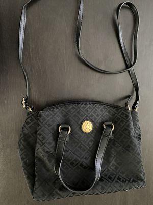Tommy Hilfiger shoulder bag for Sale in Las Vegas, NV