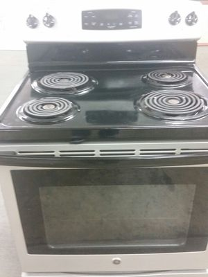 Stainless electric stove like new 4 months warranty for Sale in Alexandria, VA