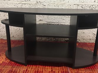 Pressed Wood Oval Dark Brown Coffee Table with Shelves for Sale in Arlington,  VA
