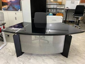 GLASS ITALIAN DESIGNER DESK, BLACK OR WHITE for Sale in Miami, FL