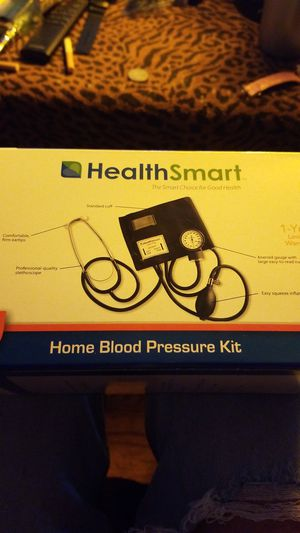 Health Smart home blood pressure kit with stethoscope for Sale in Orlando, FL