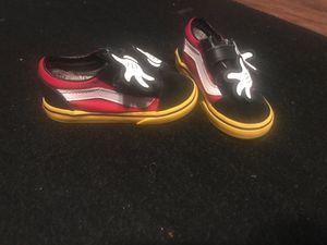 Mickey Mouse Vans 2019 edition for Sale in Cedar Hill, TX