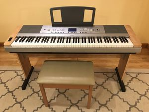 Yamaha Keyboard DGX-640 Piano for Sale in Southington, CT