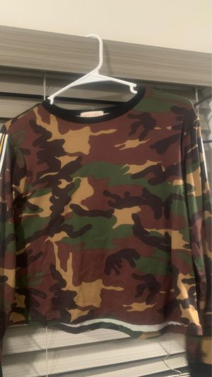 Camo long sleeve shirt for Sale in Las Vegas, NV