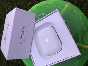 AIRPOD PRO HEAD PHONES /LIKE NEW for Sale in Long Beach, CA