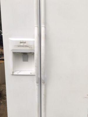 Maytag Refrigerator for Sale in Summerfield, FL