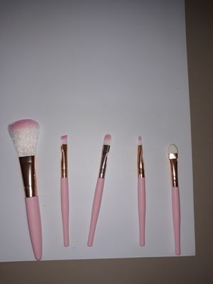 Makeup brushes set, $6.00 each set. for Sale in Plano, TX