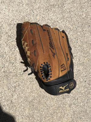 Mizuno baseball glove for Sale in Manteca, CA