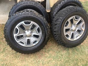 2017 Jeep Rubicon Wheels and Tires Lt255/75/17 BF Goodrich Mud-Terrain for Sale in Cutler, CA