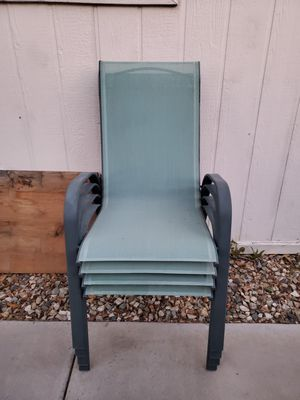 Set of 4 outdoor patio chair for Sale in Glendale, AZ