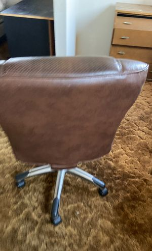 Chair for Sale in Paramount, CA
