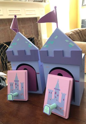 Castle Shelves and Wall Hooks $20 for Sale in Helotes, TX