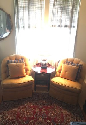 Matching Chairs and Table for Sale in Ashburn, VA
