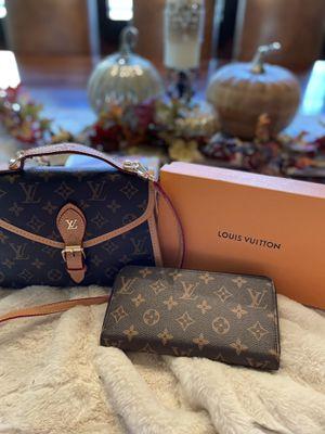 Cute crossbody purse for Sale in Etiwanda, CA