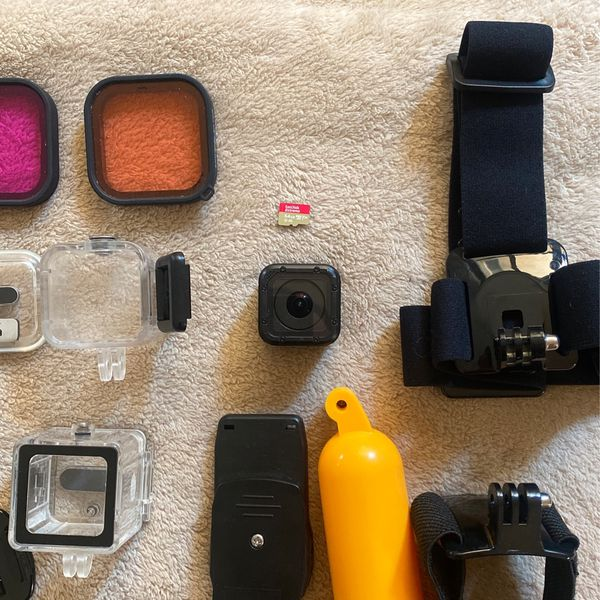GoPro Hero Session Camera w 64Gb SD card and accessories