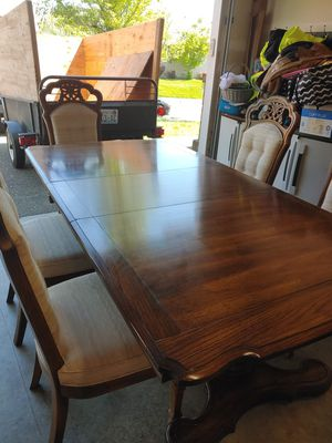 Table and chairs for Sale in Bonney Lake, WA