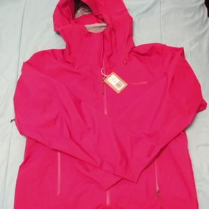 PATAGONIA RED JACKET!!!!!!! for Sale in Bremerton, WA