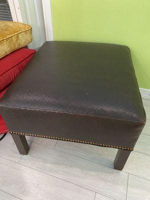 Cushion very nice Ottoman for Sale in Greenacres, FL