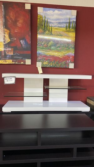 White Glossy Tv stand with 2 glass shelves Fits up to 55'' TV XJVM for Sale in Euless, TX