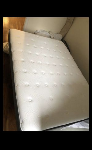 Sealy Posturepedic Full mattress PLUS BOX SPRING AND BED FRAME. for Sale in New York, NY