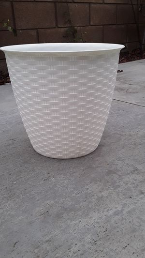 Plastic pots for Sale in Midway City, CA