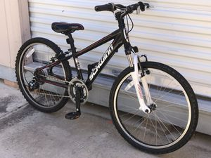 Schwinn Mountain Bike for Sale in Henderson, NV