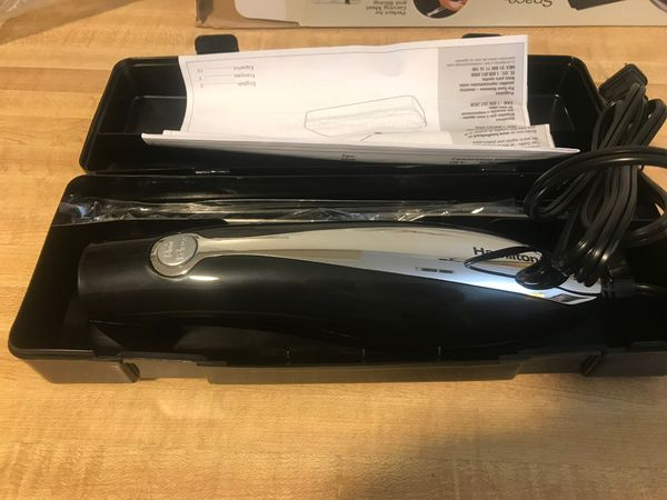 Brand new hamilton beach classic chrome electric knife with case (pick up only)